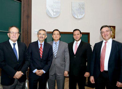 expositores_empresa_familia_catedra_carlos_llano.jpg