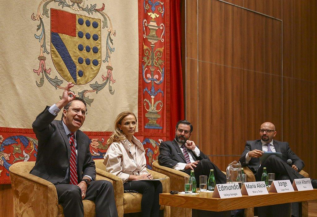conferencias-catedra_carlos_llano.jpg